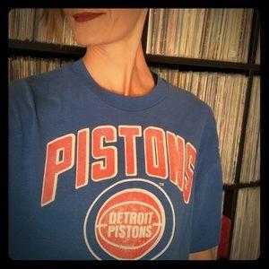 vintage 80s detroit pistons t-shirt xl